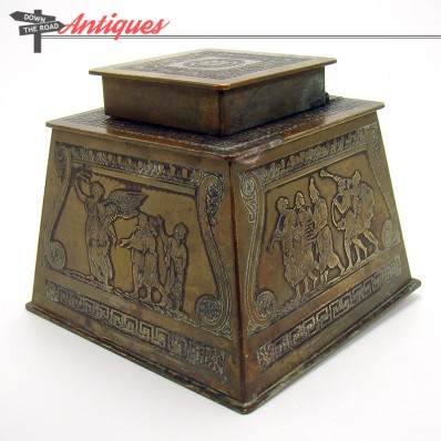 Art Nouveau bronze inkwell with depictions of angels and trupets