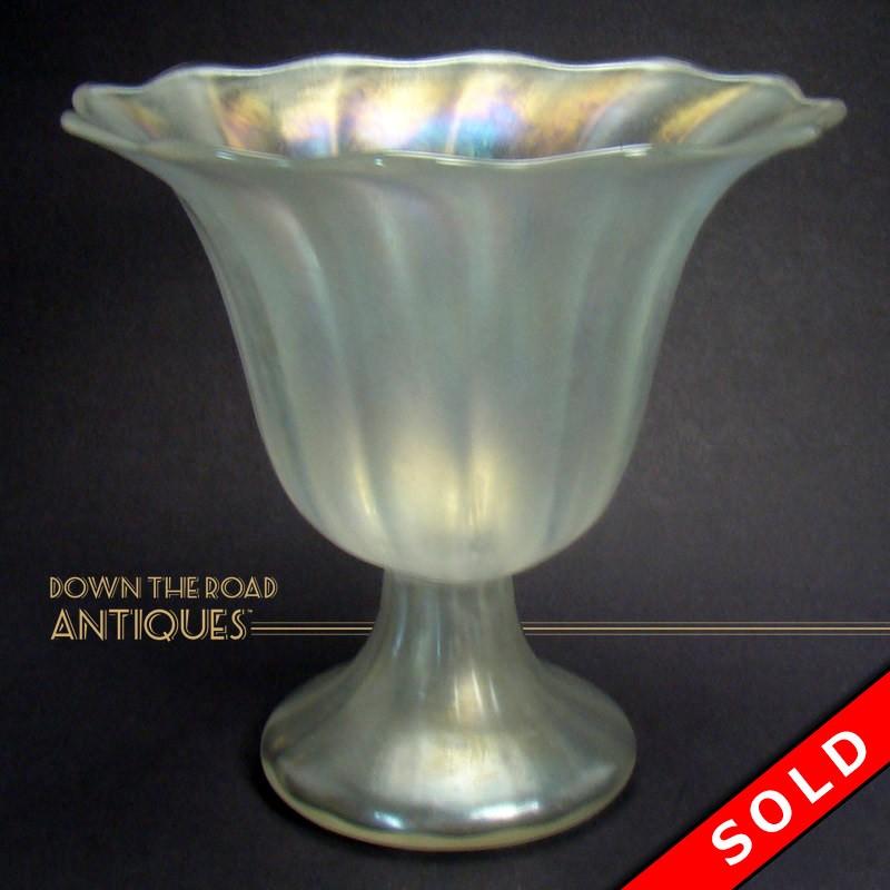 Steuben Verre De Soie Glass Vase With Ruffled Top Dtr Antiques