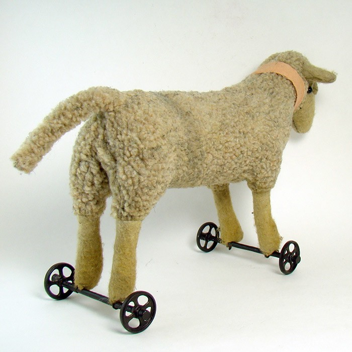 Steiff Lamb Pull-Toy With Iron Wheels
