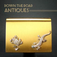 Wadsworth Ladies Compact with Jeweled Lizard and Frog