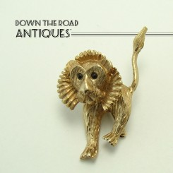 Gold Plated Lion Trembler Brooch with Black Glass Eyes - 1940's