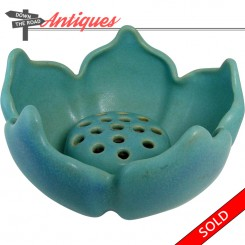 Van Briggle pottery bowl and frog in matte blue, 1940
